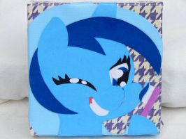 Minuette/Colgate Canvas by FrogAndCog