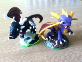 Spyro and Cynder Skylanders repaints by blackphantom1412