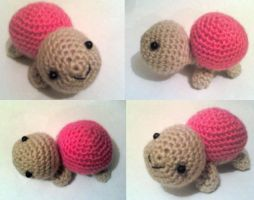 Little pink amigurumi by adorablestejidos