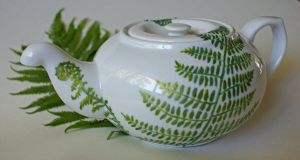 Hand-painted fern teapot by AitaSilm