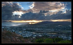 Sunrise over Townsville by da-phil