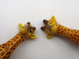 Happy Couple Giraffe by cashewed-almonds