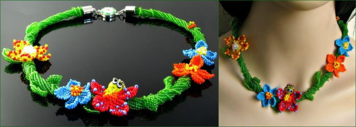 Beaded flower necklace by CatsWire