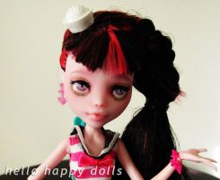 Monster high draculaura repaint 1 by hellohappycrafts