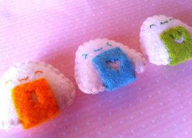 Kawaii ''I love you'' Onigiri Plushies by Tammyyy