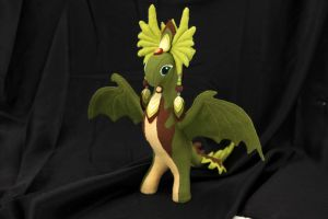 Dragoness soft toy by hontor