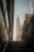 Empire State Building by Chewlieen