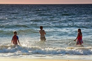 Kids at the beach 3 by RaynePhotography