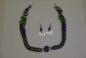 Hulk themed Chainmaille Earrings and Necklace by Luherc