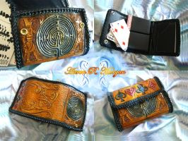 Labyrinthine Card Case by disscordia