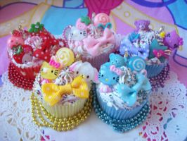 Decoden Cupcake Necklaces 2 by lessthan3chrissy