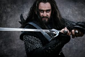 Thorin with Sword by TianaFinn