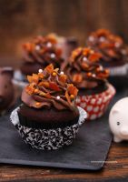 Maple Bacon Chocolate Cupcakes by theresahelmer