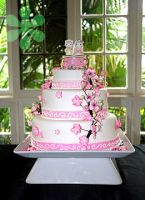 Hello Kitty Wedding Cake by flourpowercafe