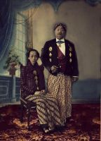 Susuhunan Pakubuwono X with his Queen Consort by Idontknowwhoyouknow