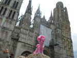 Pinkie Pie at the Rouen Notre Dame cathedral. by Kynoauin