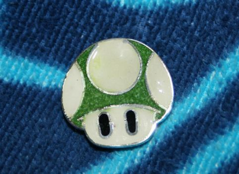 1up mushroom with enamel by LARvonCL