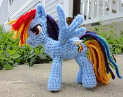 Rainbow Dash by leftandrightdolls