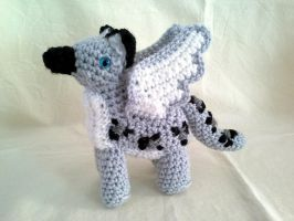 Snow Leopard Gryphon by hollyann
