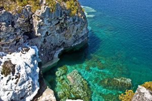Georgian Bay Cliffs by Rebacan