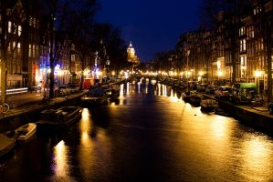 Shiny canals of Amsterdam by CookiemagiK