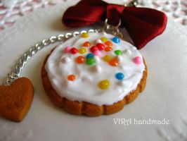 Cute frosted cookie by virahandmade