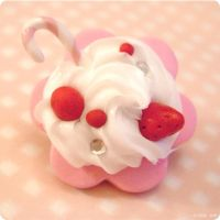 Brooch - Pink Cookie And Cream by itrill