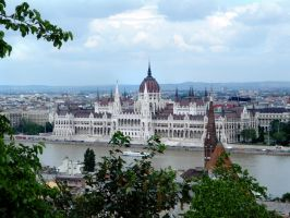 Hungarian Parliament by nuke-vizard