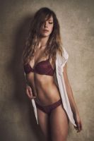 Pretty in red by Suitcasefotografie