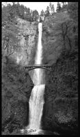 Multnomah Falls by nocturnaljourney
