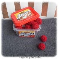 Serial Crocheteuses Numero 125 - Rouge by Tiamat-Creations