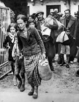 refuge immigrants coming to Spain from France 1940 by dlink97