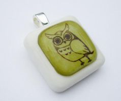 Owly Pendant - Green by luminarydreams