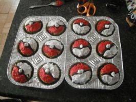 Pokeball Cupcakes by WickedHxC