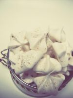 Pumpkin Pie Spice Meringues by MomentoMori08