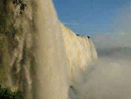 The great Falls of Iguazu by sasa8000
