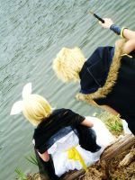 Kagamine Siblings by the Lake by MankettePenguin