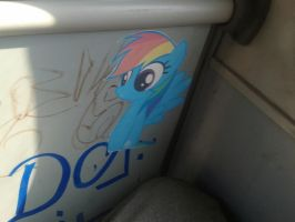 Rainbow Dash stiker in bus by Pietas