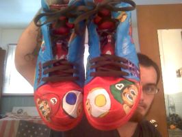 Mario Helps by jjsshoesxd
