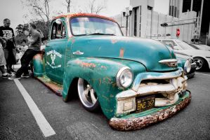 Low-rent, low-ridin' 50s Chevy pick-up by TomFawls