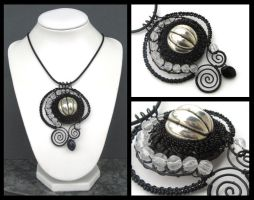 black and white pendant by annie-jewelry