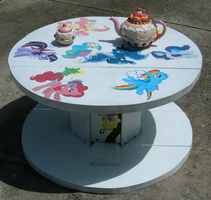 Table by Inciatus