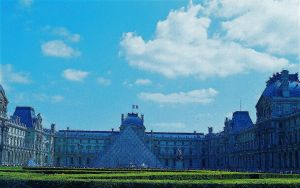 The Louvre by Sparkyredboy