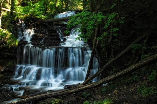 Wagner Falls by 12345sg