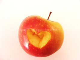 Apple by mzelBulle