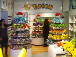KTD and MGWT at Nintendo World 32 by MarioSimpson1