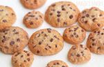 Miniature cookie sizes by BadgersBakery