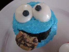 Cookie Monster Cupcake by Sototallydisney