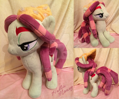 Tree Hugger Plush (sold) by Zombies8MyWaffle