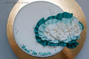Turquoise ruffles cake 3 by buttercreamfantasies